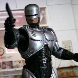 Бломкэмп вернет Робокопа к истокам