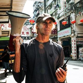 Майкл Бэй разработает фильм про коронавирус