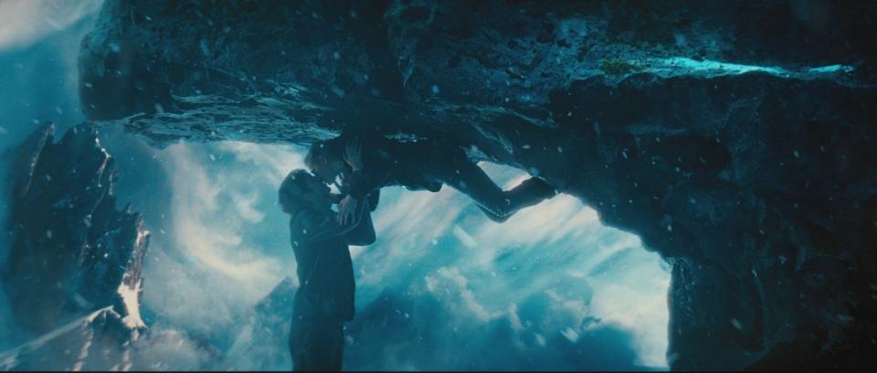 кадры из фильма Параллельные миры 3D Джим Стерджесс, Кирстен Данст,