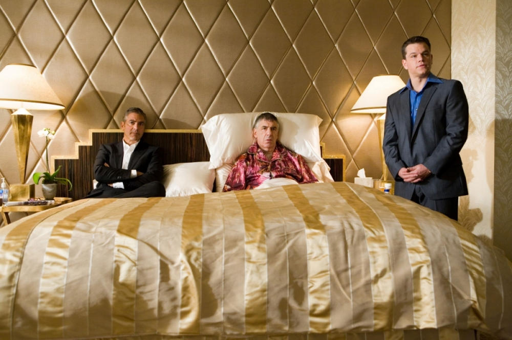кадры из фильма Тринадцать друзей Оушена Эллиотт Гулд, Мэтт Дэймон, Джордж Клуни,