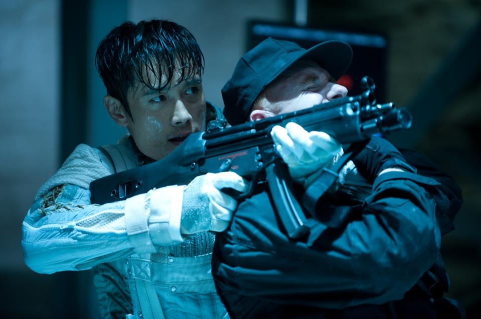 кадры из фильма G.I. Joe: Бросок кобры 2 Бён Хон Ли,