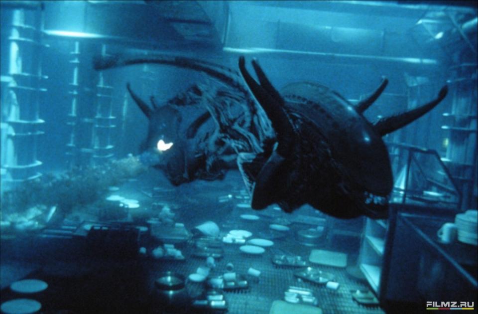 кадры из фильма Чужой 4: Воскрешение