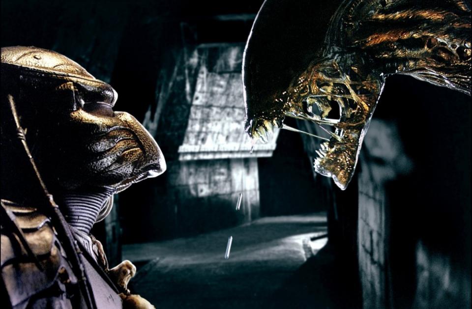 кадры из фильма Чужой против Хищника