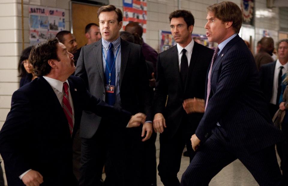 кадры из фильма Грязная кампания за честные выборы Зак Галифианакис, Джейсон Судейкис, Дилан МакДермотт, Уилл Феррелл,