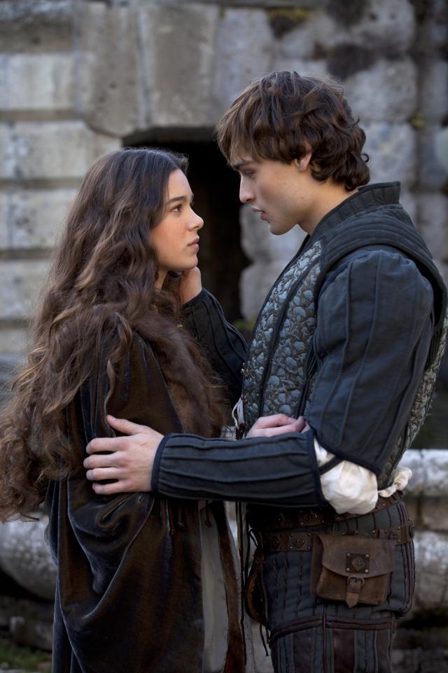 кадры из фильма Ромео и Джульетта Хейли Стейнфилд, Даглас Бут,