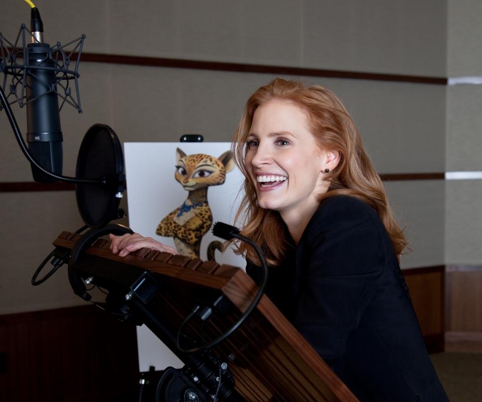 со съемок Мадагаскар 3 в 3D Джессика Честейн,