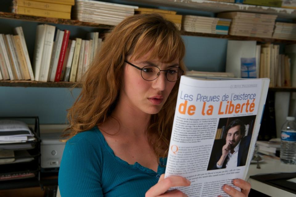 кадры из фильма Секса много не бывает Луиза Бургуа,