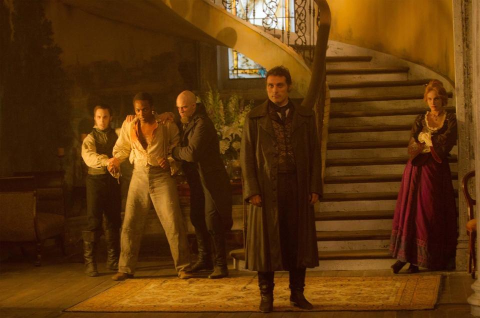 кадры из фильма Президент Линкольн: Охотник на вампиров Энтони Мэкки, Руфус Сьюэлл, Эрин Уоссон,