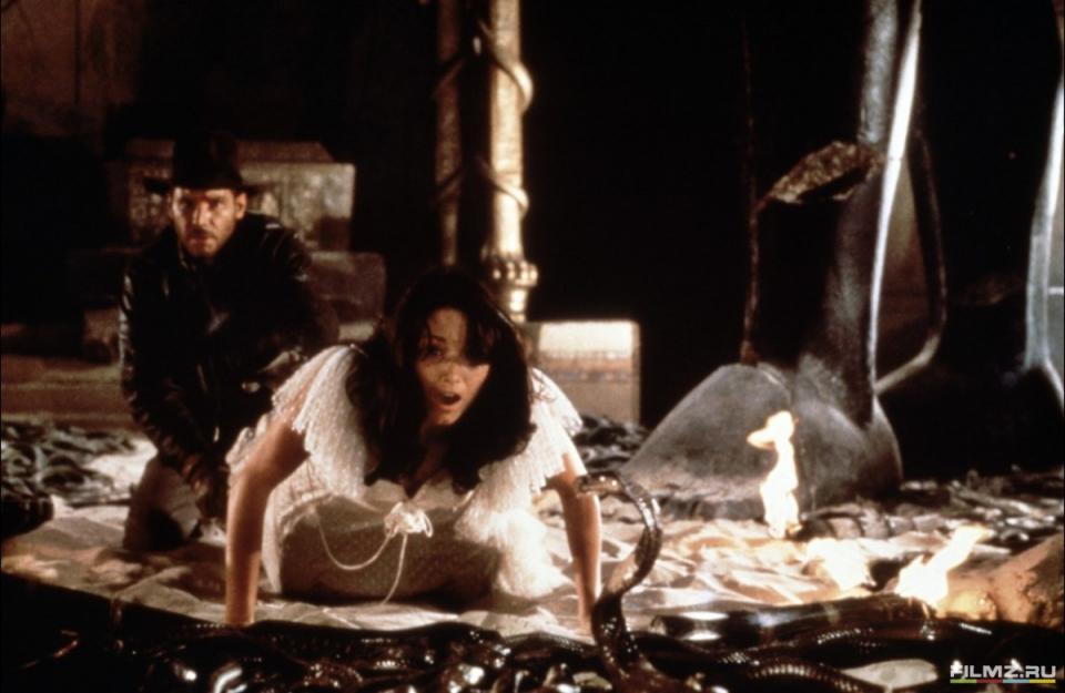 кадры из фильма Индиана Джонс: В поисках утраченного ковчега Карен Аллен, Харрисон Форд,