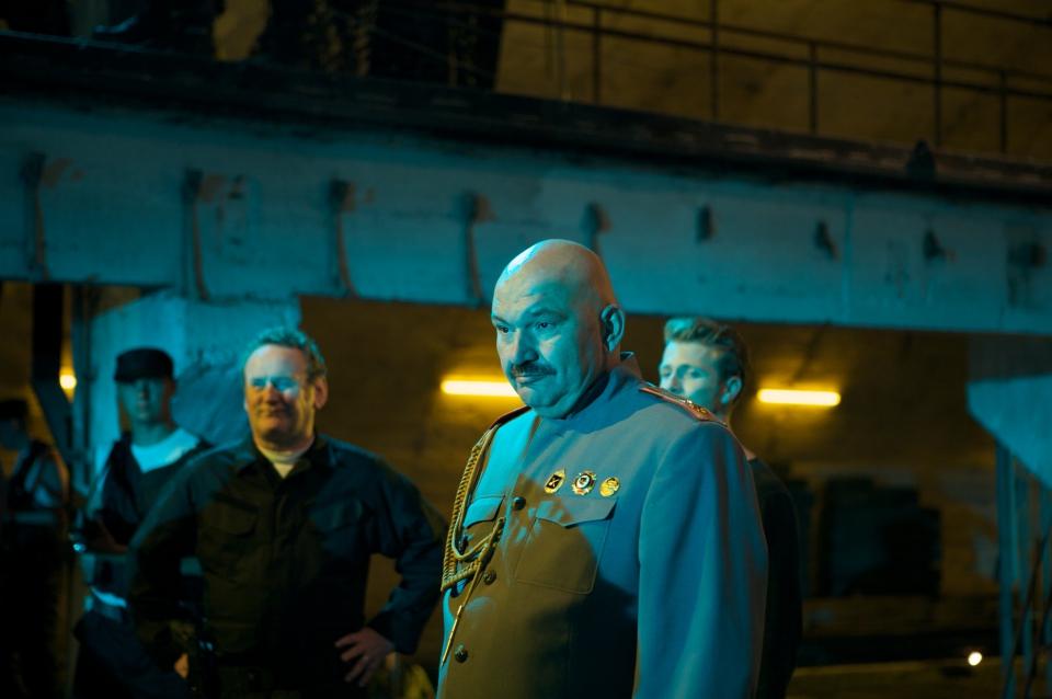 кадры из фильма Солдаты удачи Колм Мини, Геннадий Венгеров,