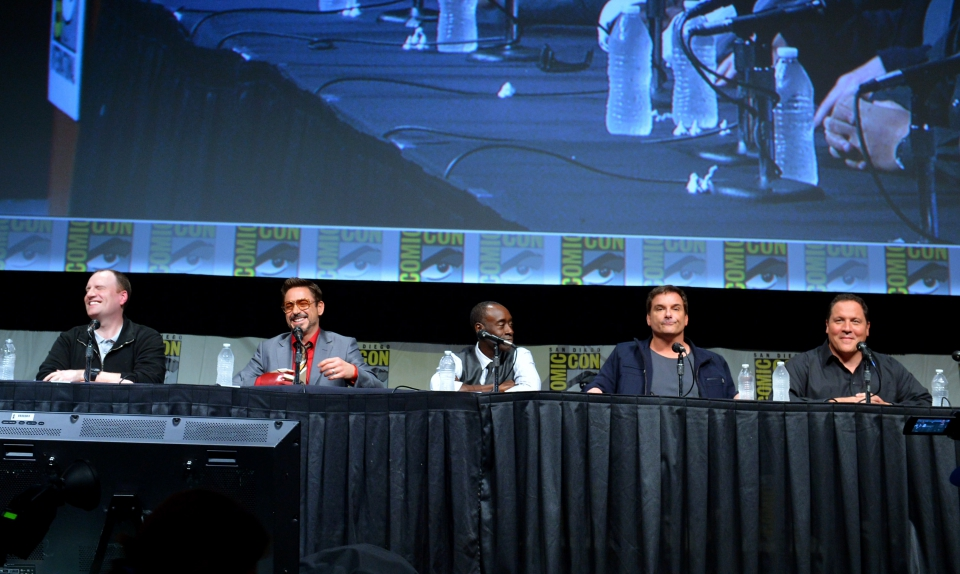фотосессия «Железный человек 3» на Comic-Con 2012 Дон Чидл, Шейн Блэк, Джон Фавро, Кевин Файги, Роберт Дауни-мл.,