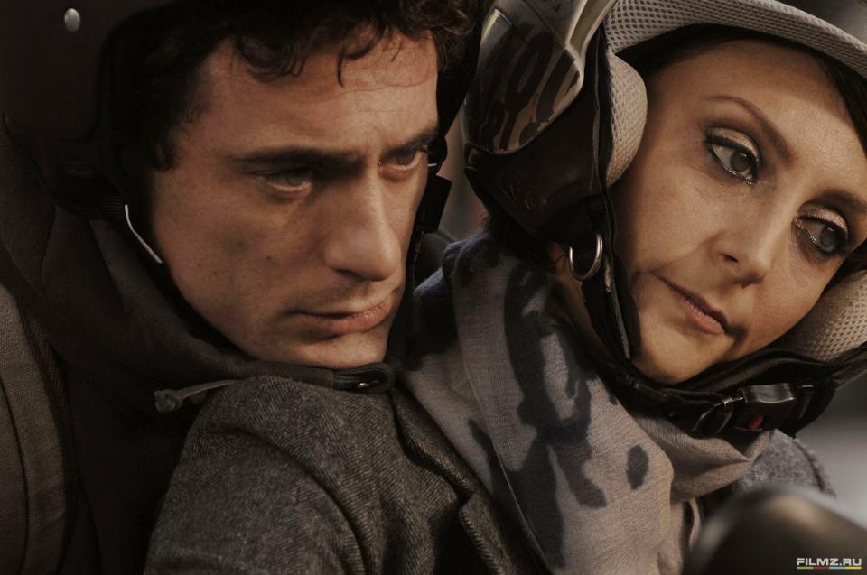кадры из фильма Присутствие великолепия Элио Джермано,
