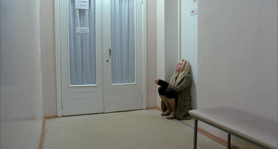 кадры из фильма Жить
