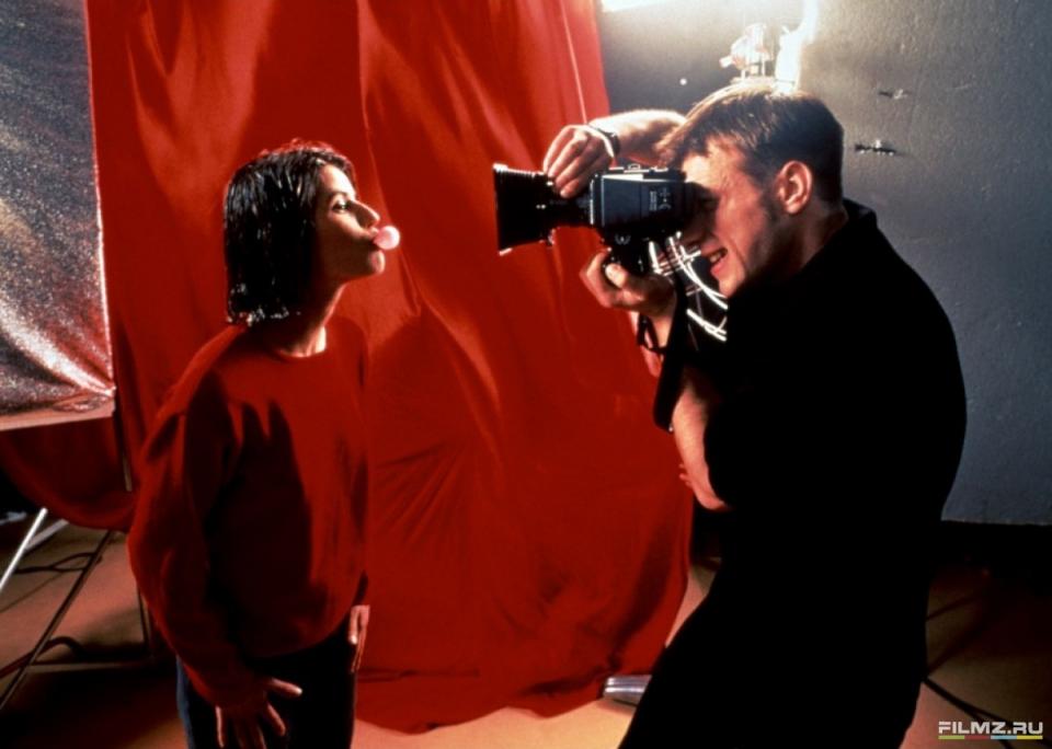 кадры из фильма Три цвета: Красный Самюэль Ле Бьян, Ирен Жакоб,