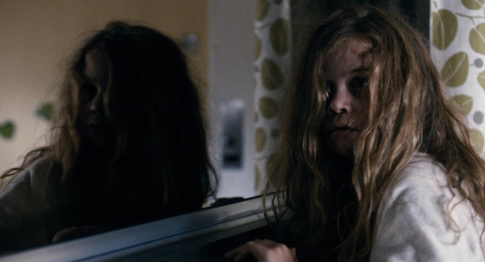 кадры из фильма Мама