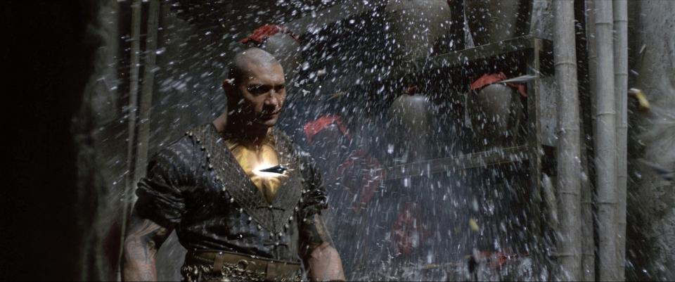 кадры из фильма Железный кулак Дэйв Батиста,