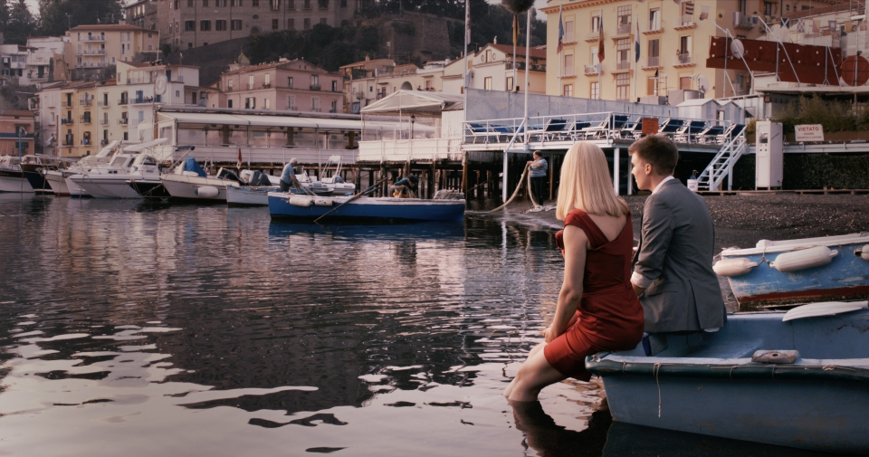 кадры из фильма Любовь — все, что тебе нужно Трина Дюрхольм,
