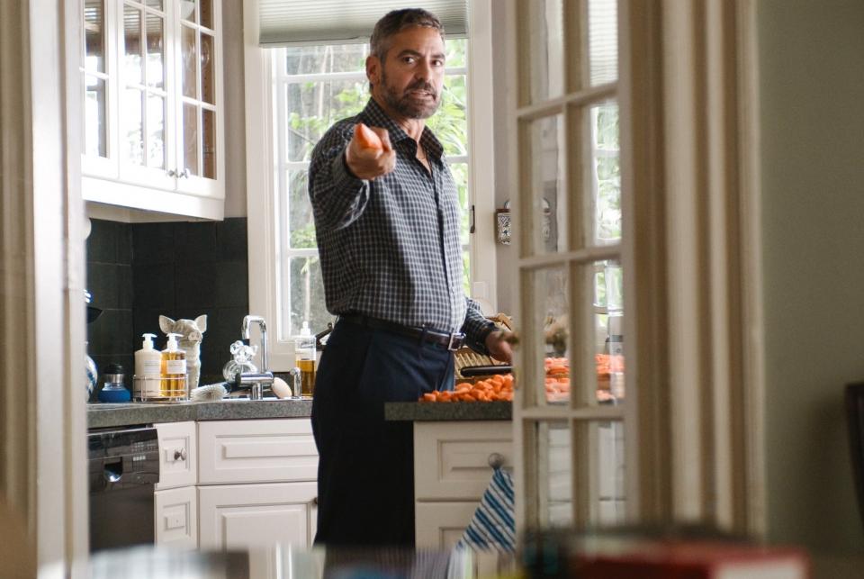 кадры из фильма После прочтения сжечь Джордж Клуни,