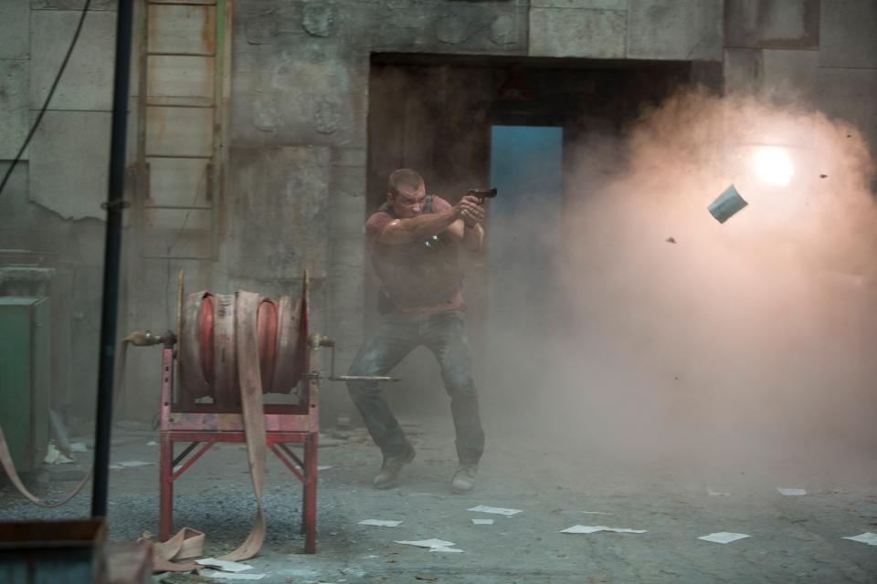 кадры из фильма Крепкий орешек: Хороший день, чтобы умереть Джей Кортни,