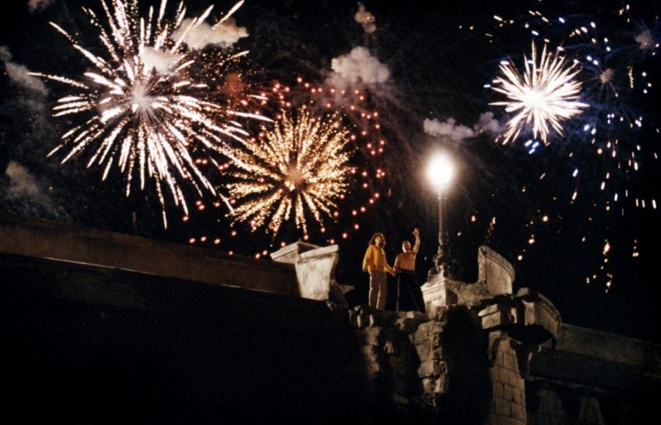 кадры из фильма Любовники с Нового моста Дени Лаван, Жюльетт Бинош,