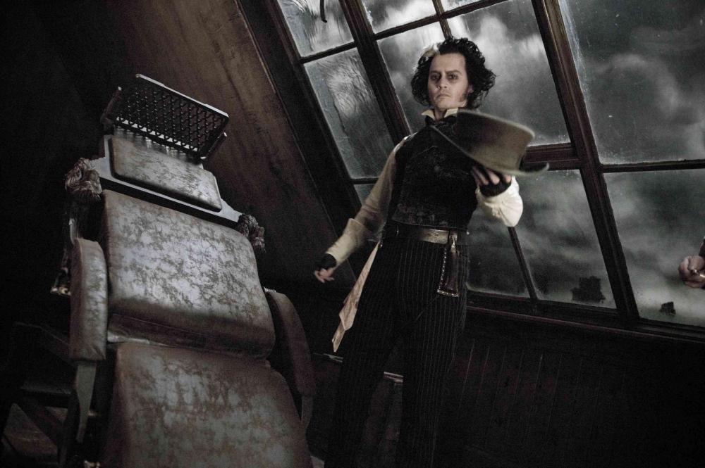 кадры из фильма Суини Тодд, демон-парикмахер с Флит-стрит Джонни Депп,