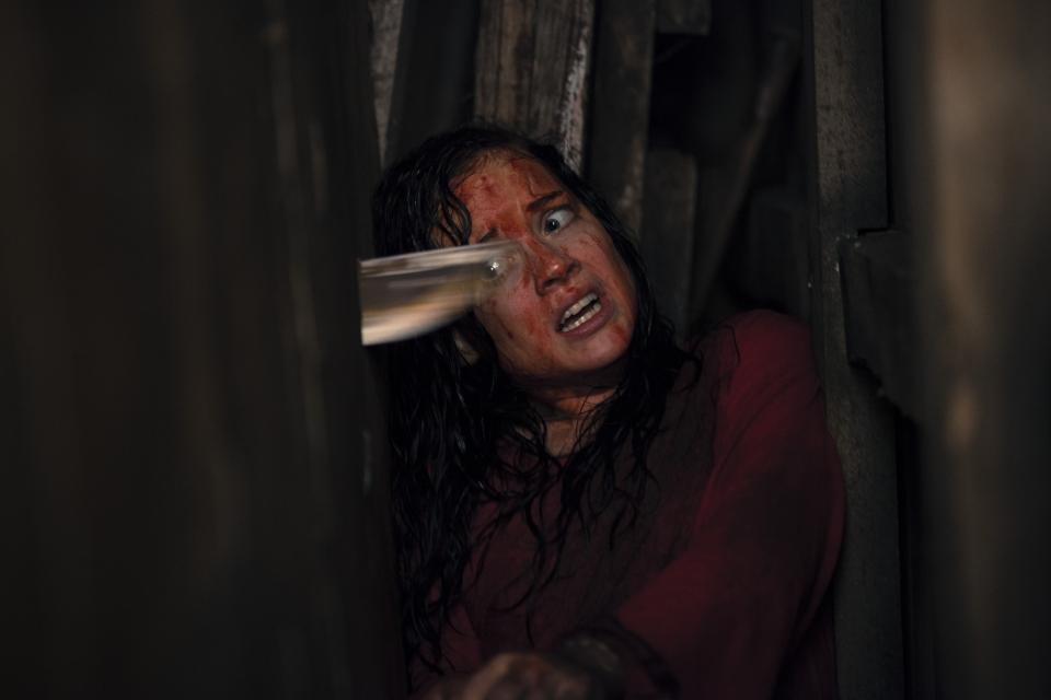 кадры из фильма Зловещие мертвецы. Черная книга Джейн Леви,