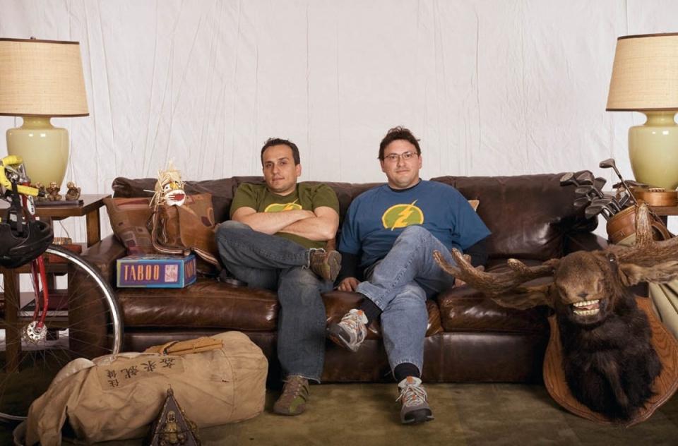 со съемок Он, я и его друзья Энтони Руссо, Джо Руссо,