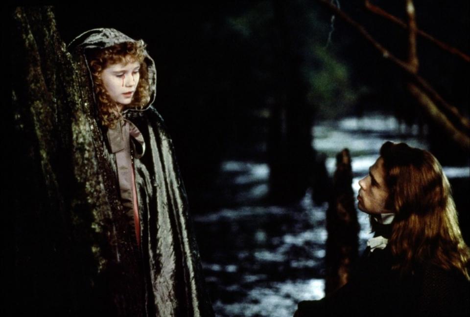 кадры из фильма Интервью с вампиром: Вампирские хроники Кирстен Данст, Брэд Питт,