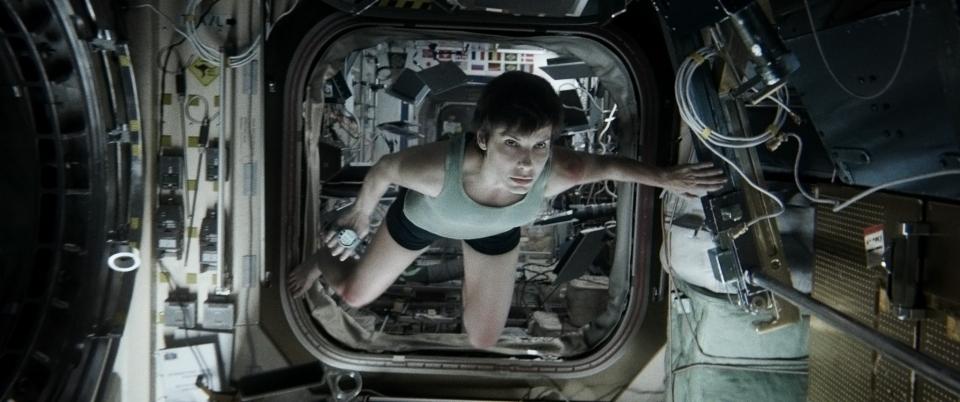 кадры из фильма Гравитация Сандра Буллок,