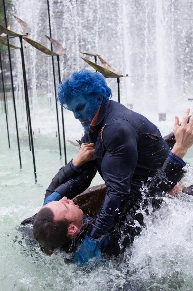 кадры из фильма Люди Икс: Дни минувшего будущего Майкл Фассбендер, Николас Холт,