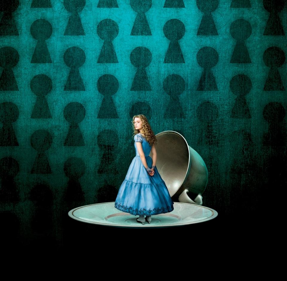 промо-слайды Алиса в Стране чудес Мия Васиковска,