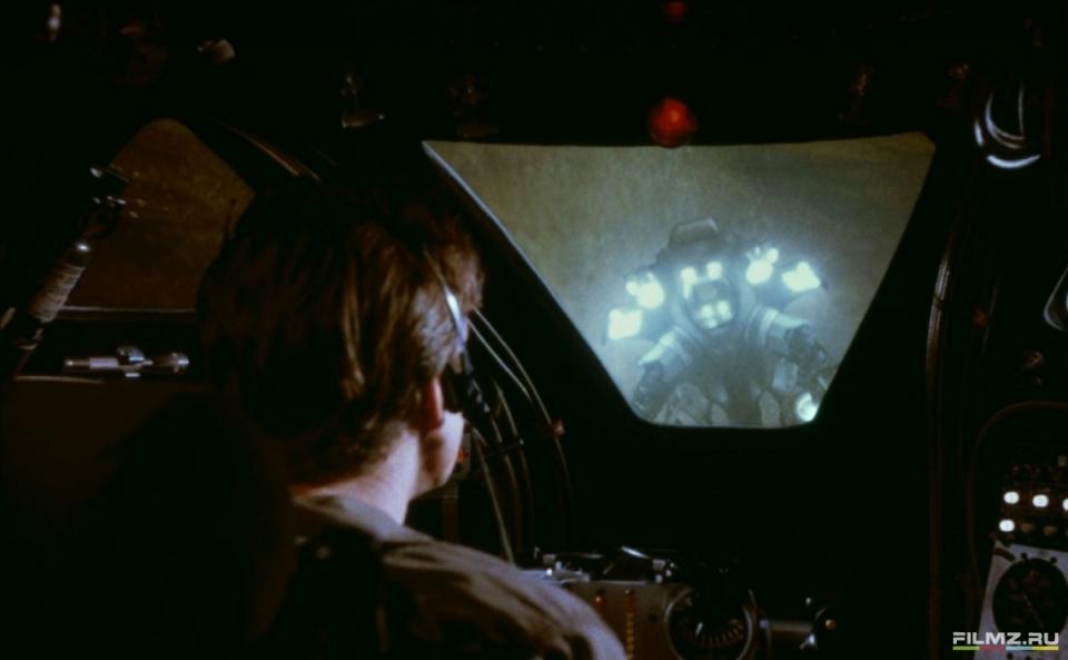 кадры из фильма Внутреннее пространство Дэннис Куэйд,