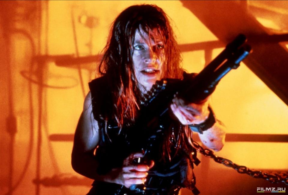 кадры из фильма Терминатор 2: Судный день Линда Хэмилтон,