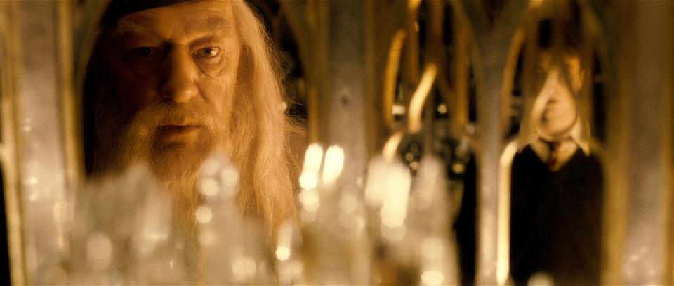 кадры из фильма Гарри Поттер и Принц-полукровка Майкл Гэмбон,