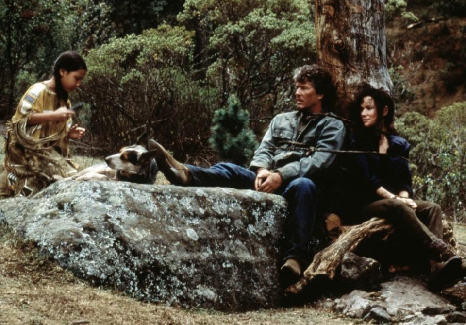 кадры из фильма Последний из племени людей-псов Том Беренджер, Барбара Херши,