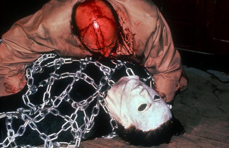 кадры из фильма Хэллоуин 5: Месть Майкла Майерса Дональд Плизенс,