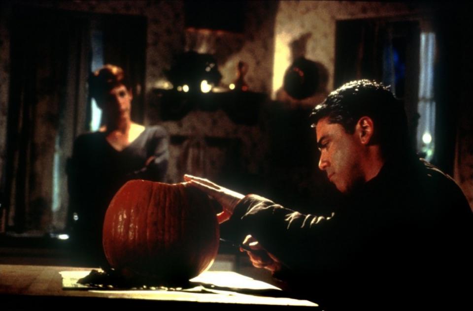 кадры из фильма Хэллоуин: Двадцать лет спустя Джейми Ли Кертис, Адам Аркин,