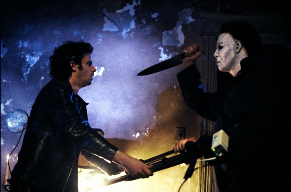 кадры из фильма Хэллоуин: Воскрешение Люк Кирби,