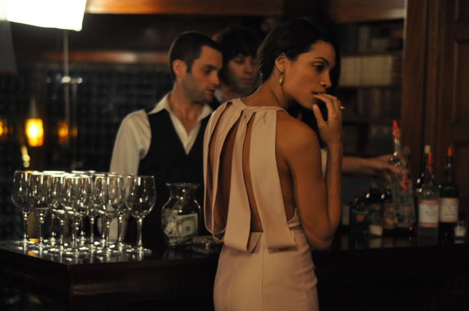 кадры из фильма Одна миллиардная доля Пенн Бадгли, Розарио Доусон,
