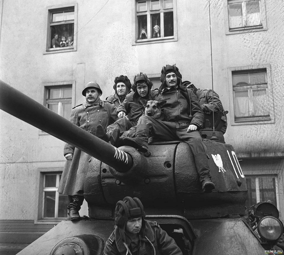 со съемок Четыре танкиста и собака Франтишек Печка,