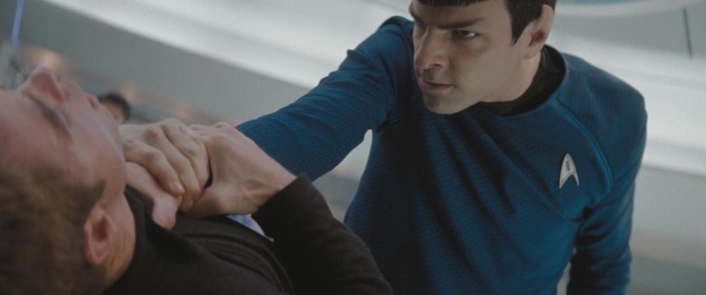 кадры из фильма Звездный путь Крис Пайн, Закари Куинто,
