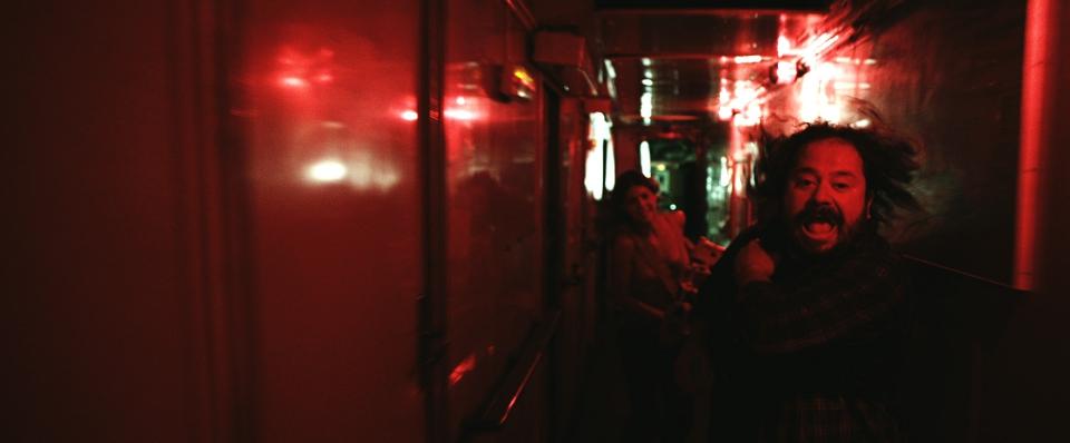 кадры из фильма Репортаж: Апокалипсис Исмаэль Фричи, Мануэла Веласко,