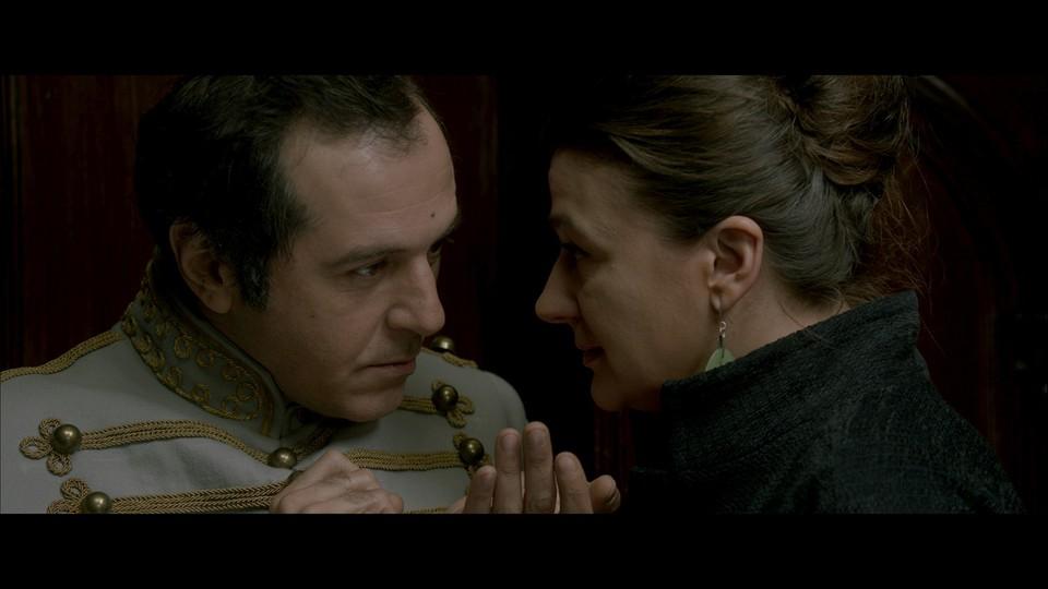 кадры из фильма Под электрическими облаками Мераб Нинидзе, Анастасия Мельникова,