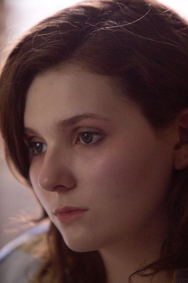 кадры из фильма Зараженная Эбигейл Бреслин,