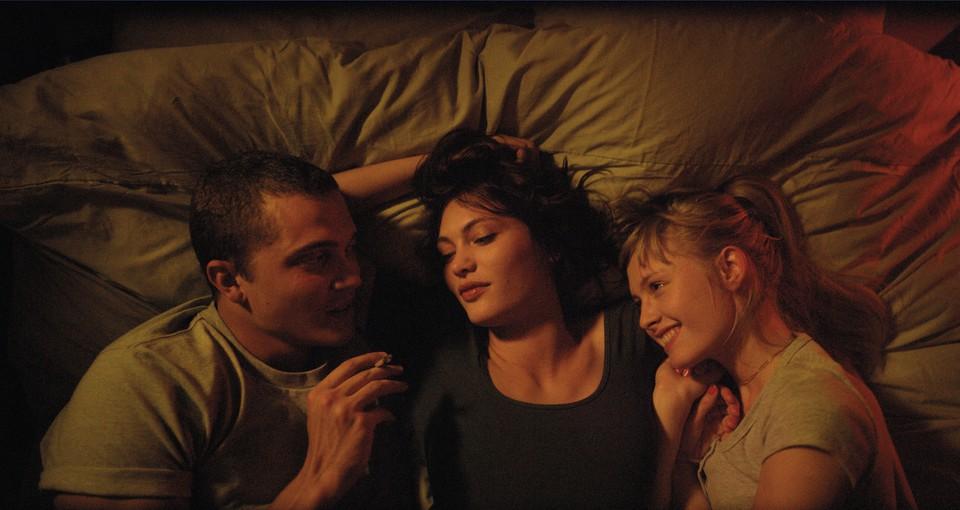 кадры из фильма Любовь