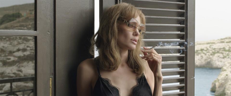 кадры из фильма Лазурный берег Анджелина Джоли,