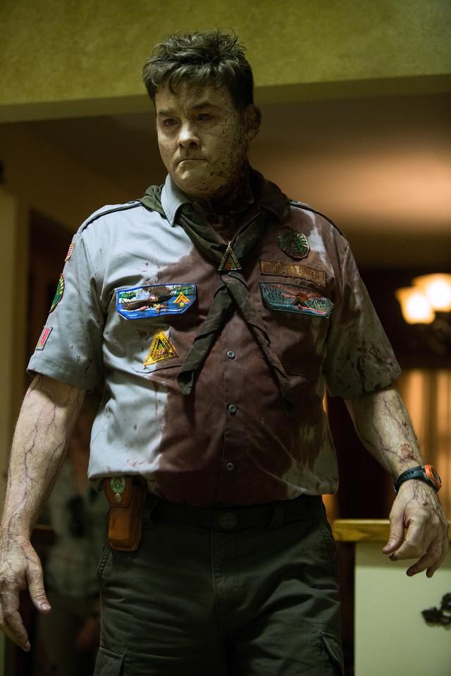 кадры из фильма Скауты против зомби Дэвид Кекнер,
