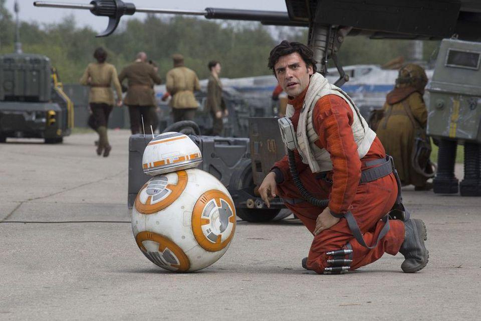 кадры из фильма Звездные Войны: Пробуждение Силы Оскар Айзек,