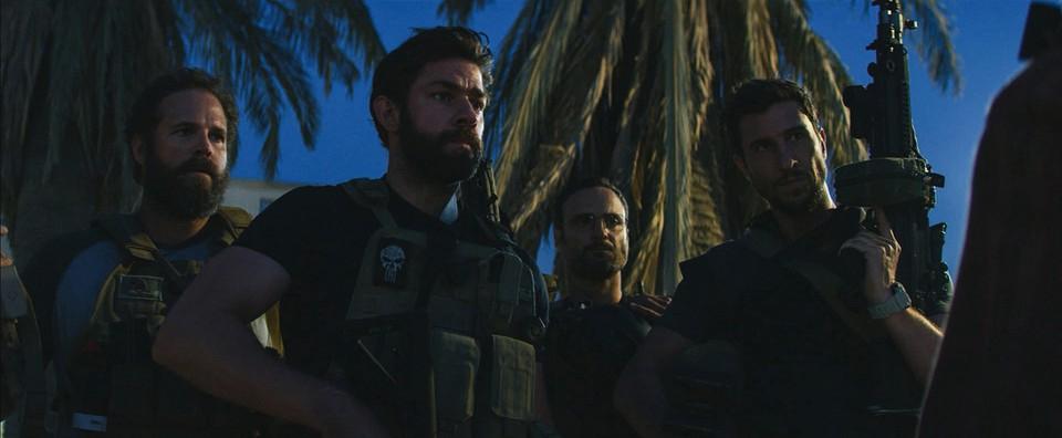 кадры из фильма 13 часов: Тайные солдаты Бенгази Дэвид Денман, Джон Красински, Доминик Фумуса, Пабло Шрэйбер,