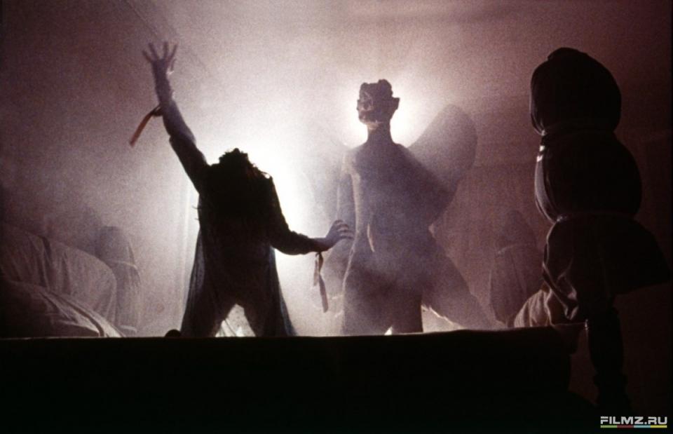 кадры из фильма Изгоняющий дьявола Линда Блэйр,